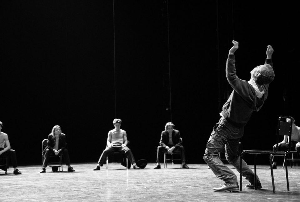 Охад Нахарин: «Когда я смотрю на свою хореографию, мне скучно. Но когда я смотрю на танцовщиков, я могу плакать от эмоции».