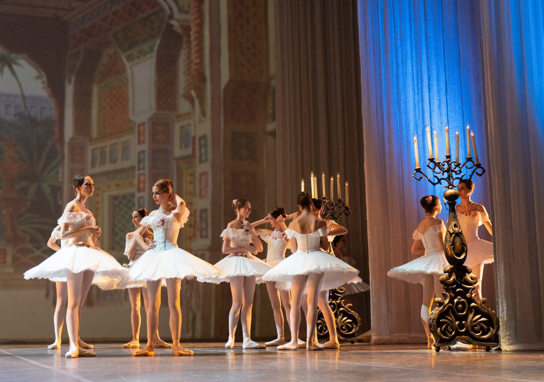 Выпускной концерт Московской академии хореографии в Большом театре