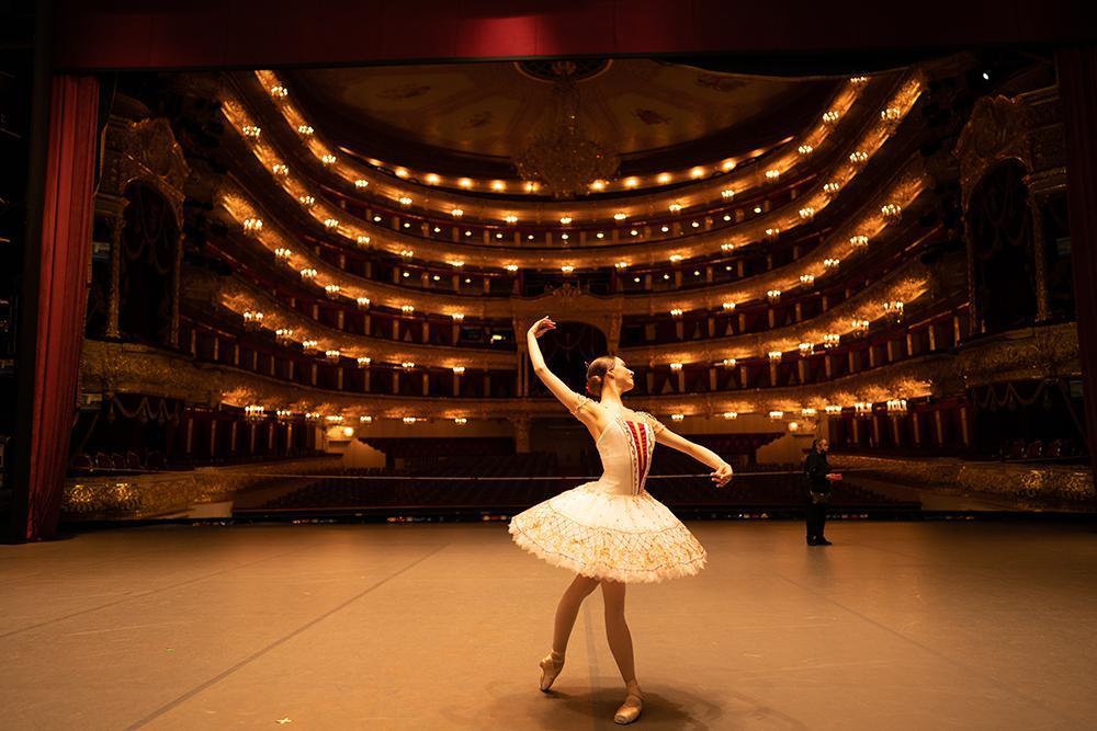 Eva Sergeenkova – The Graduate of the Bolshoi Ballet Academy